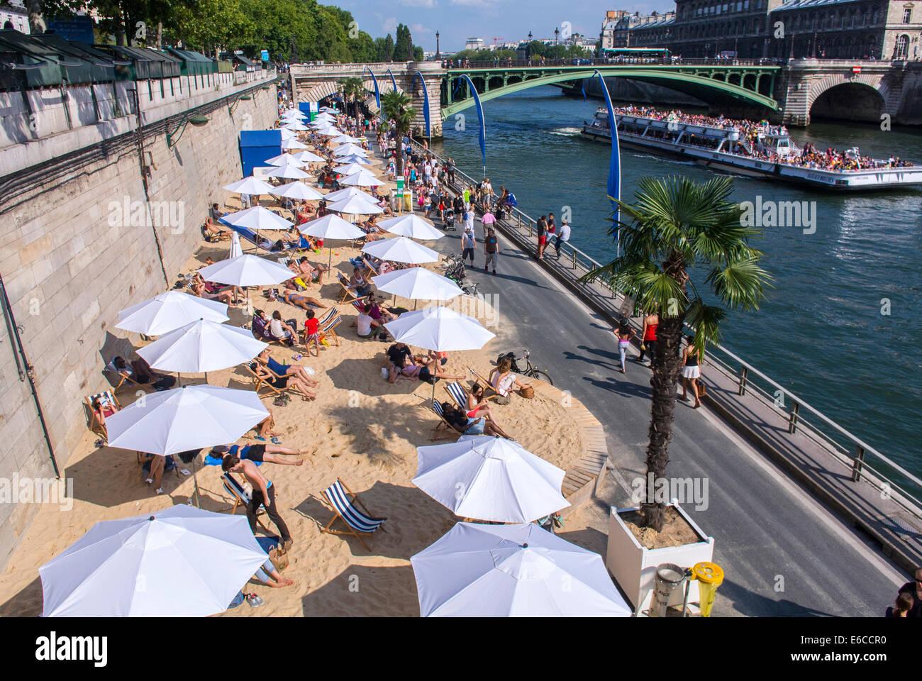 Paris, France, Aerial VIew, Tourists enjoying Public Events, 'Paris Plages', Urban Beach, Parasols - Stock Image