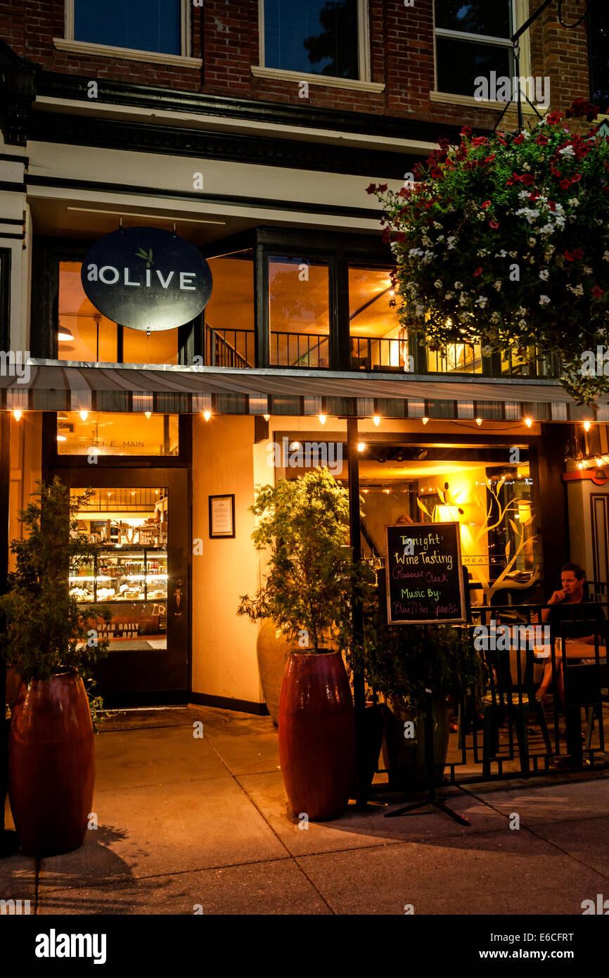 Usa Washington Walla Walla Evening Light From A Restaurant In