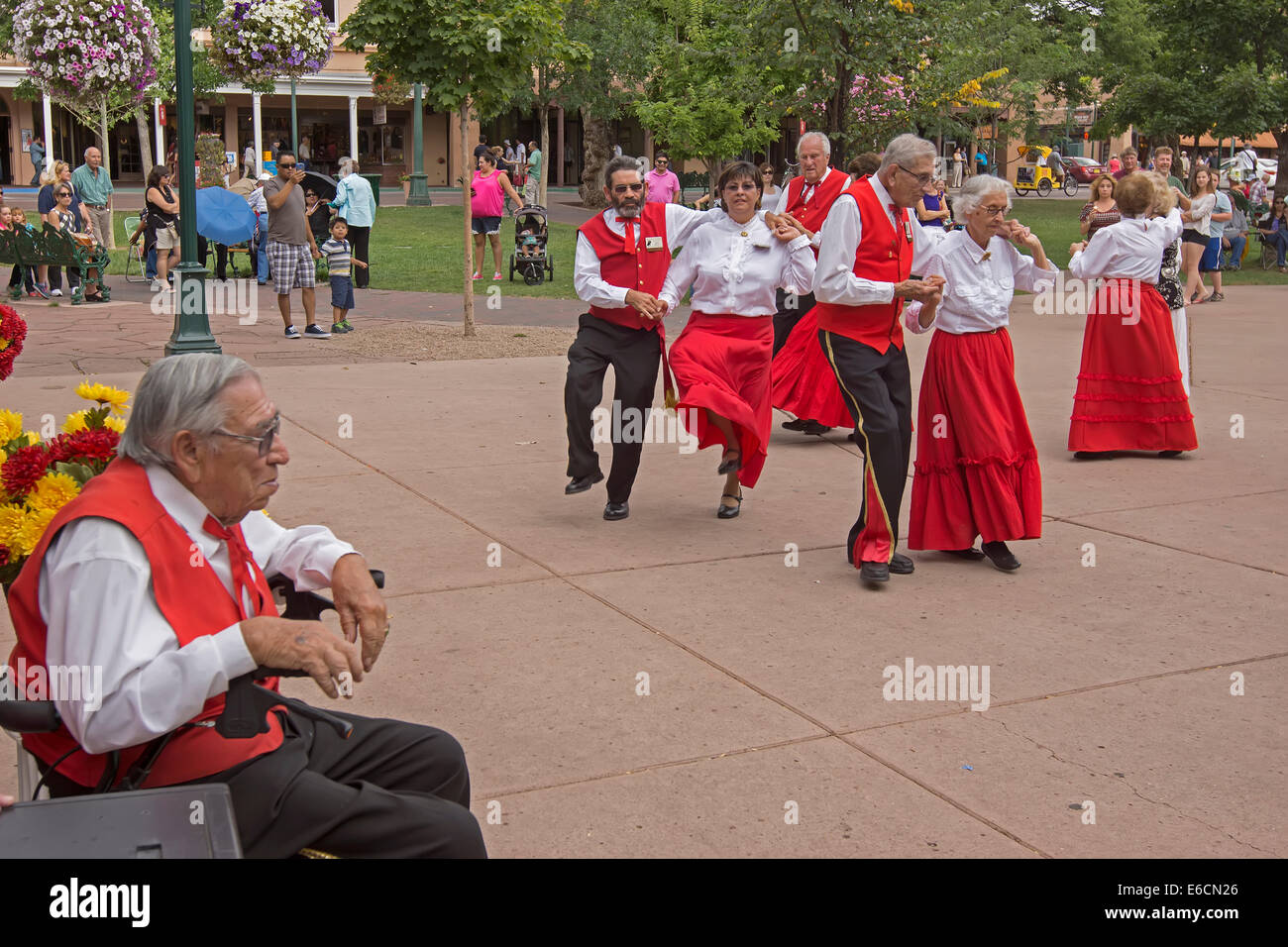 Societa Colonial Espanola, a New Mexican folkloric group, performing traditional dances during Santa Fe Bandstand - Stock Image