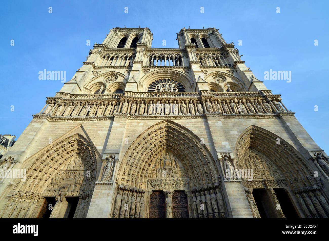 West façade, Cathedral of Notre-Dame de Paris, Île de la Cité, Paris, Île-de-France, France - Stock Image