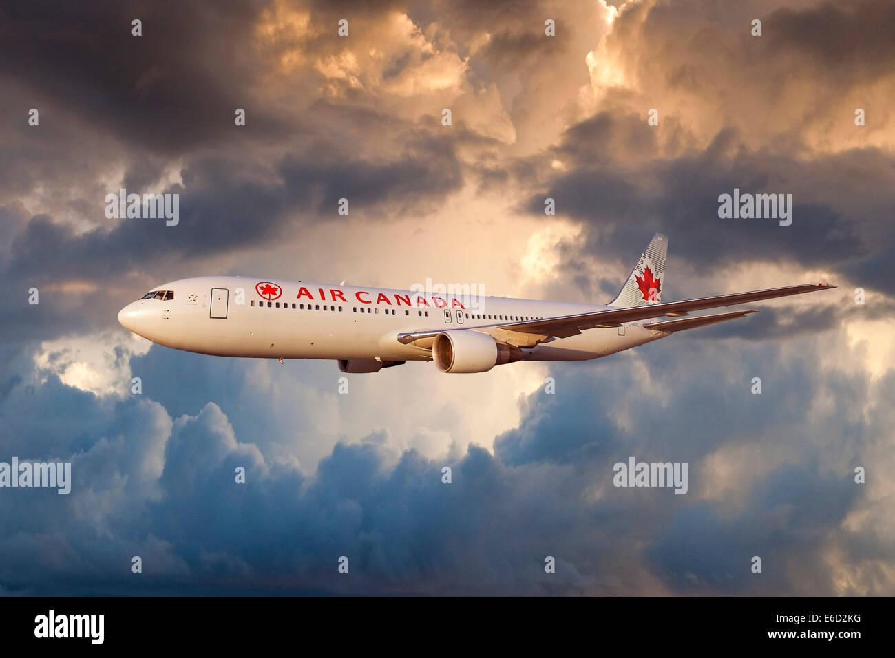 Air Canada Boeing 767-333 ER in flight - Stock Image