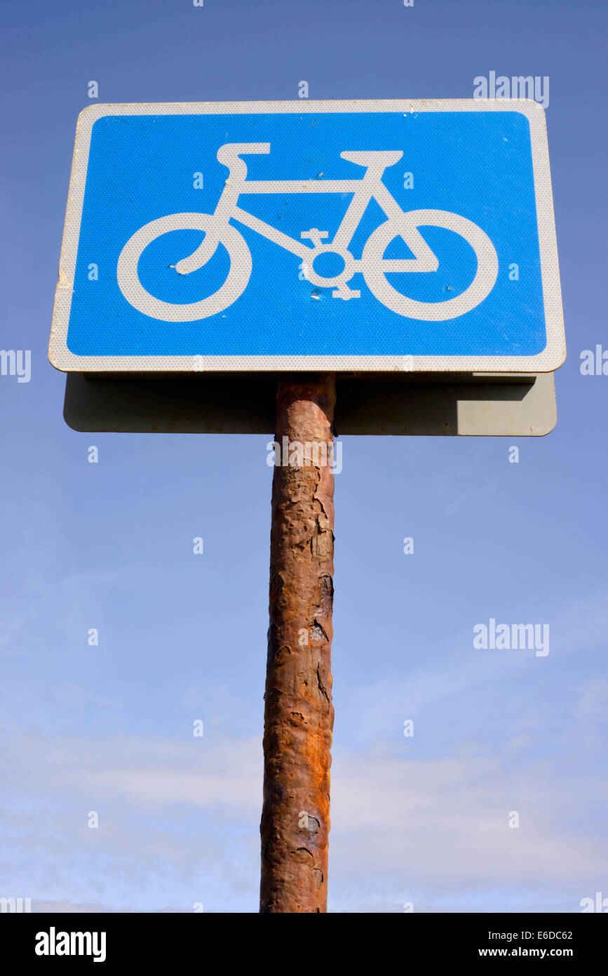 Sign on pole showing route of cycle way - Stock Image