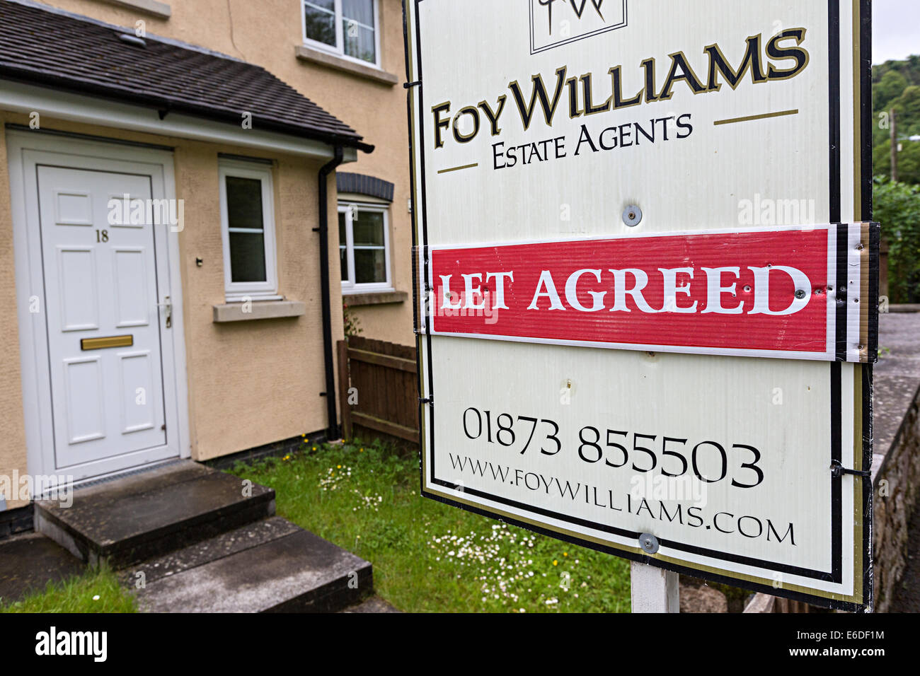 Let Agreed sign on estate agent notice, Wales, UK - Stock Image