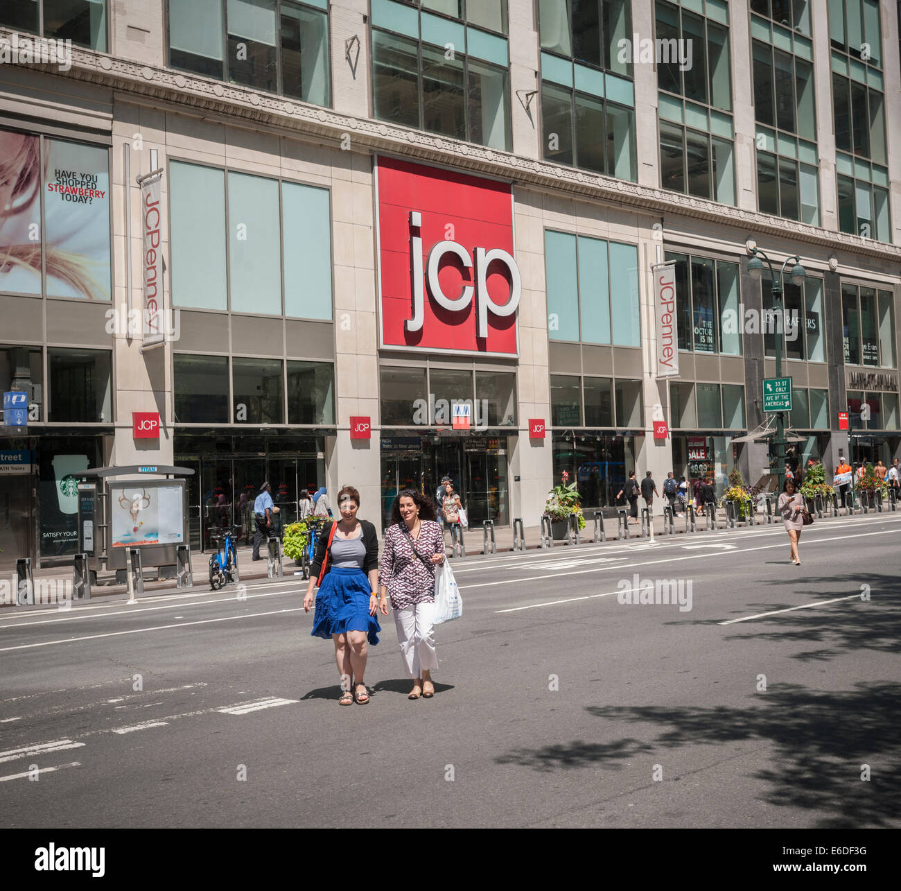 7e1d9ce7e The Midtown Manhattan J.C.Penney department store in New York Stock ...
