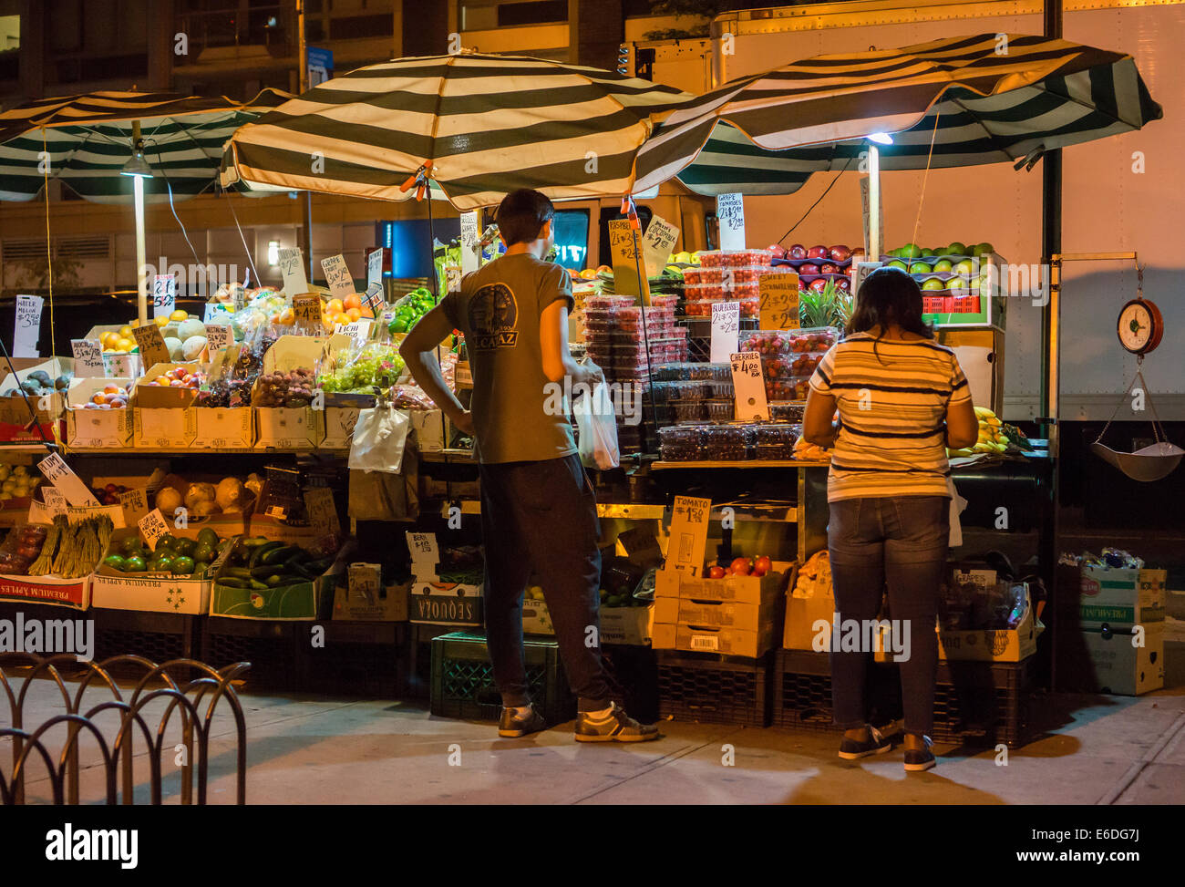 Fruit and vegetable stand in the New York neighborhood of Chelsea on Saturday, August 16, 2014. (© Richard B. Levine) Stock Photo