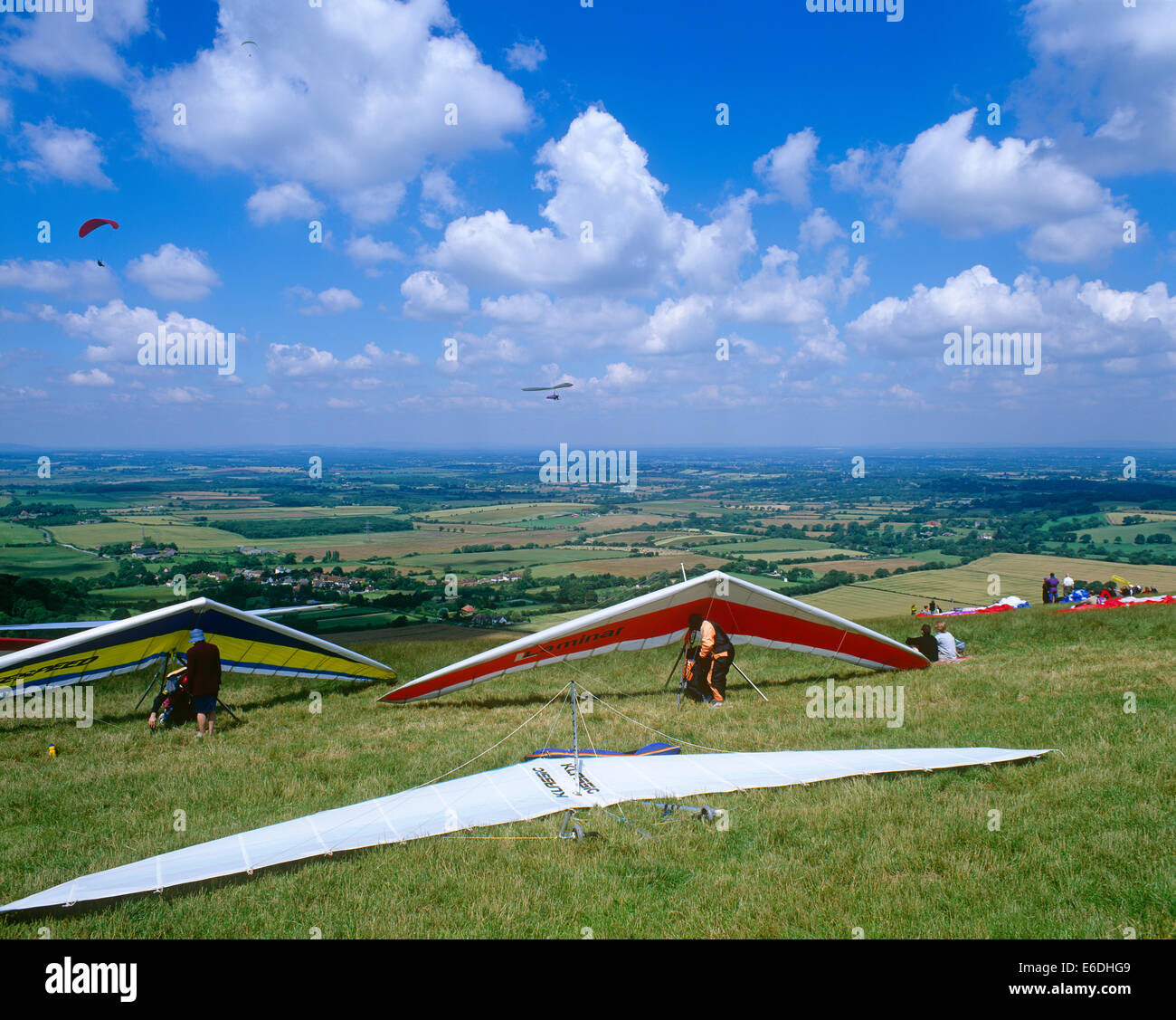 People hand gliding in Sussex UK Stock Photo