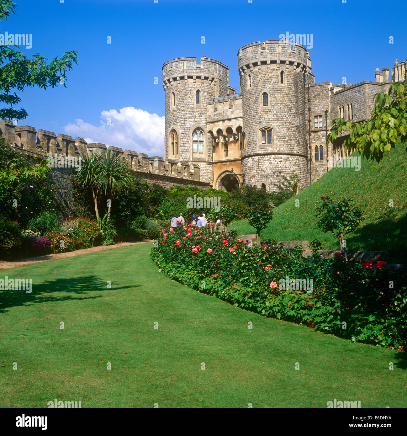Windsor castle garden stock photos windsor castle garden for The berkshire