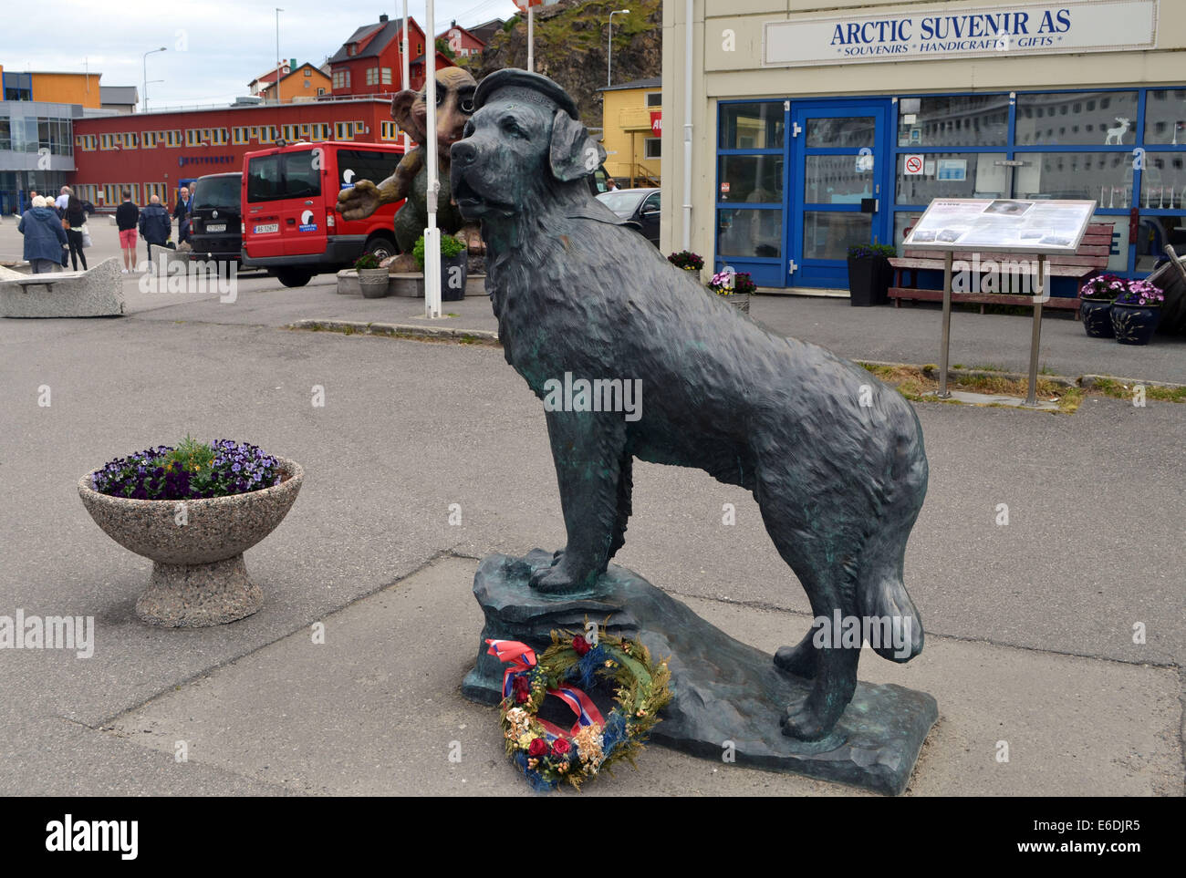 En route to the Nord Kapp. The famous dog 'Bamse' comes from Honnigsvag. - Stock Image