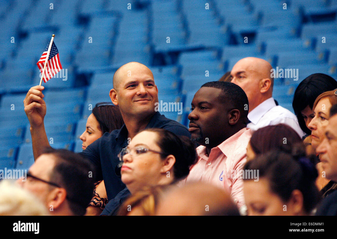 Florida Oath Of Citizenship Ceremony Stock Photos & Florida