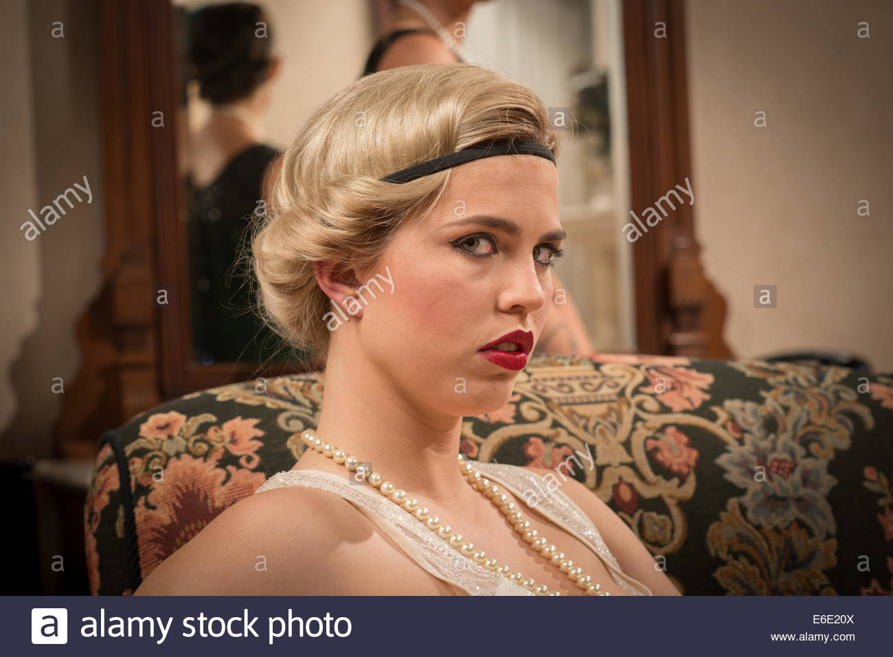 Pearls 1920s Stock Photos Pearls 1920s Stock Images Page 3 Alamy
