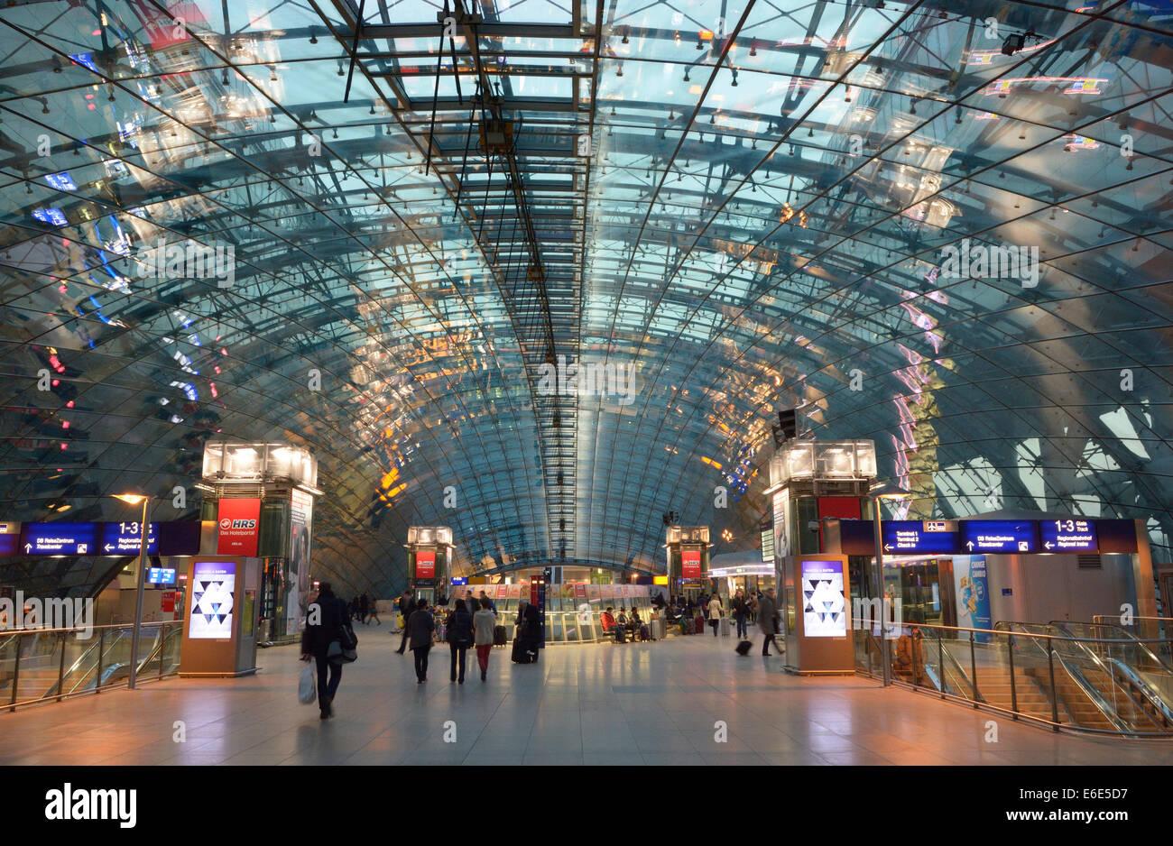 Railway station for long-distance trains at Frankfurt am Main Airport, Frankfurt am Main, Hesse, Germany - Stock Image