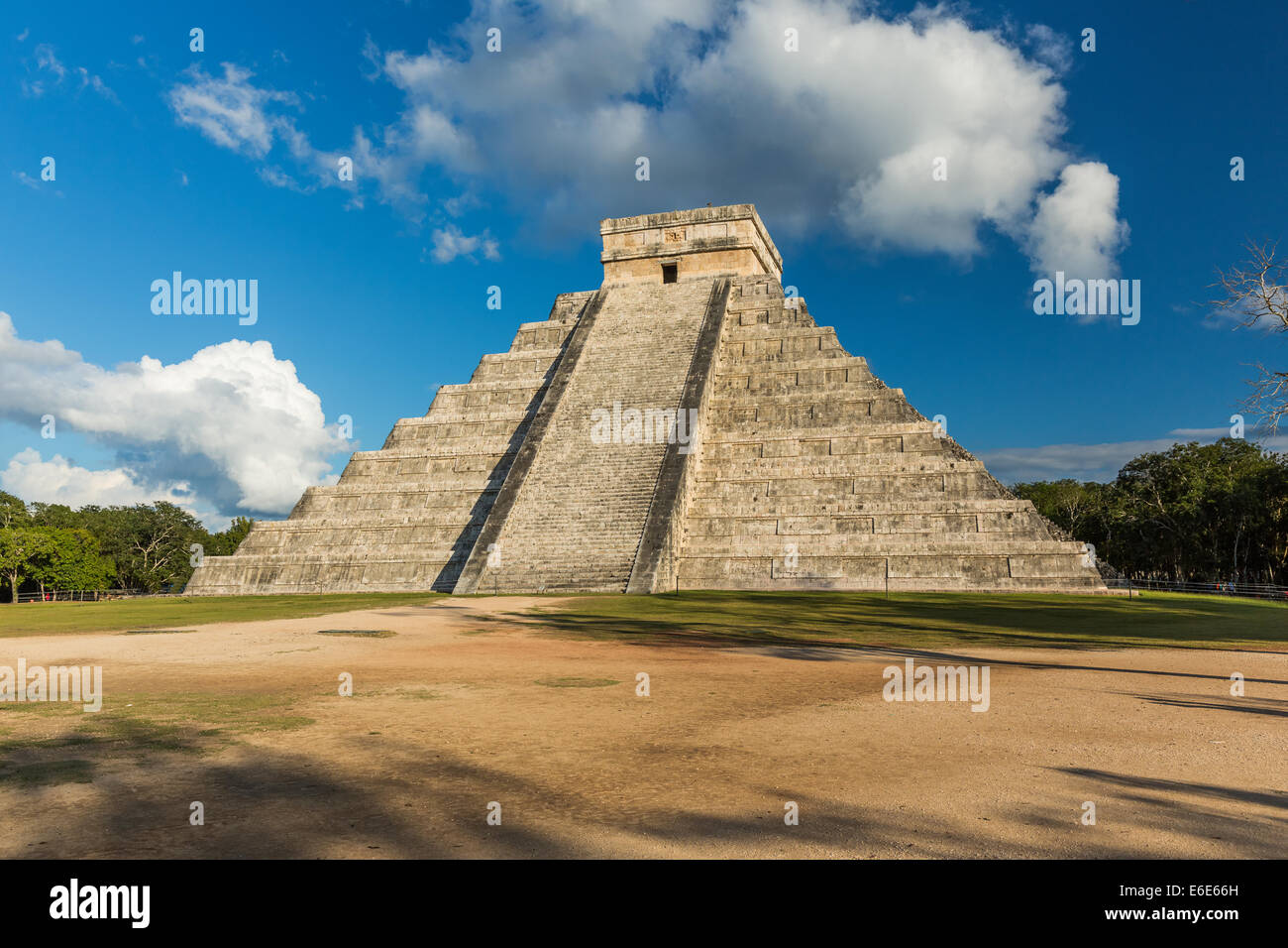 Pyramid of Kukulkan Chichen Itza, Mexico - Stock Image