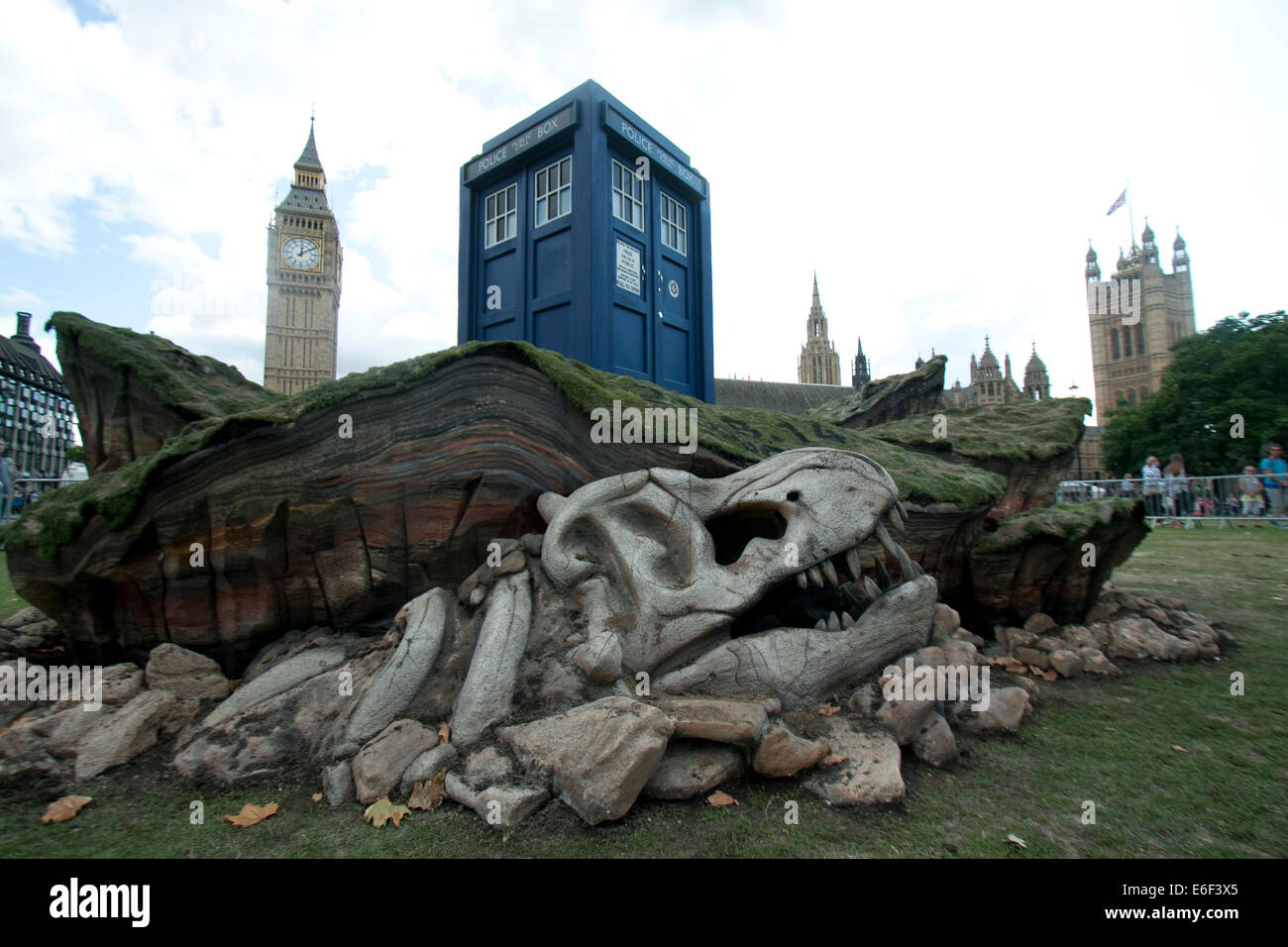London,UK. 22nd August 2014. Dr Who Tardis appears in Parliament square to launch the new BBC sci fi series on August - Stock Image