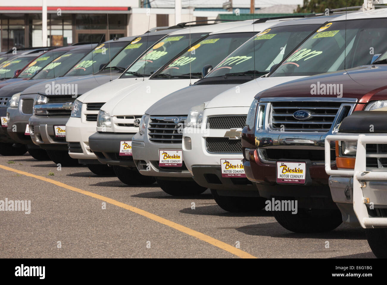 Used Cars Parked Car Dealership Usa Stock Photo 72881748 Alamy