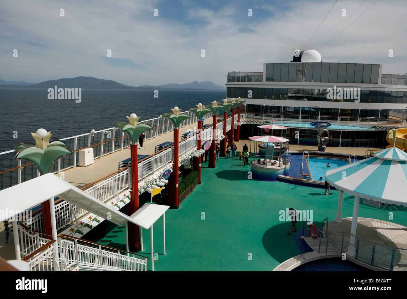 The Norwegian Pearl Cruising The Inside Passage From Seattle To Stock Photo Alamy