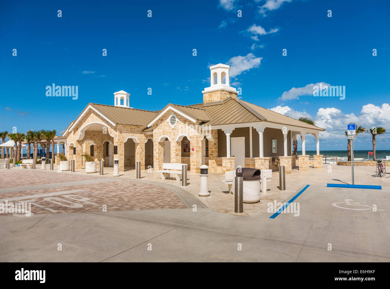 Modern upscale public restroom and shower facilities on the beach at Daytona Beach Florida - Stock Image