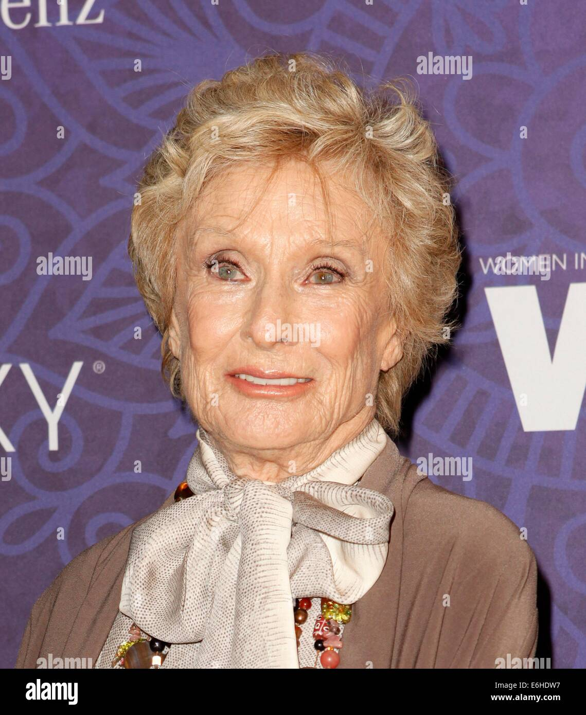 Cloris Leachman Emmy Stock Photos & Cloris Leachman Emmy Stock