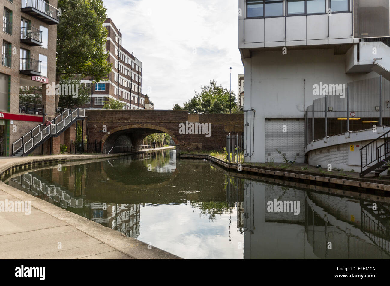 bend in the Regent Canal, London - Stock Image