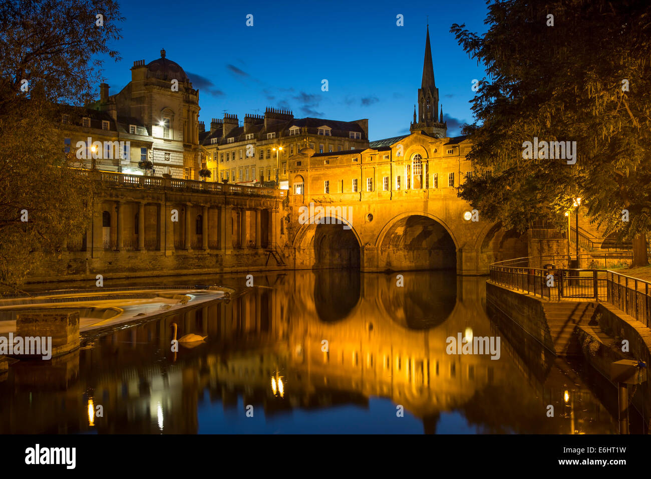 Pulteney Bridge over River Avon, Bath, Somerset, England - Stock Image