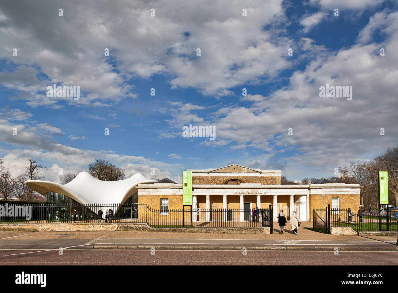 The Serpentine Sackler Magazine Gallery with the restaurant designed by Zaha Hadid Stock Photo
