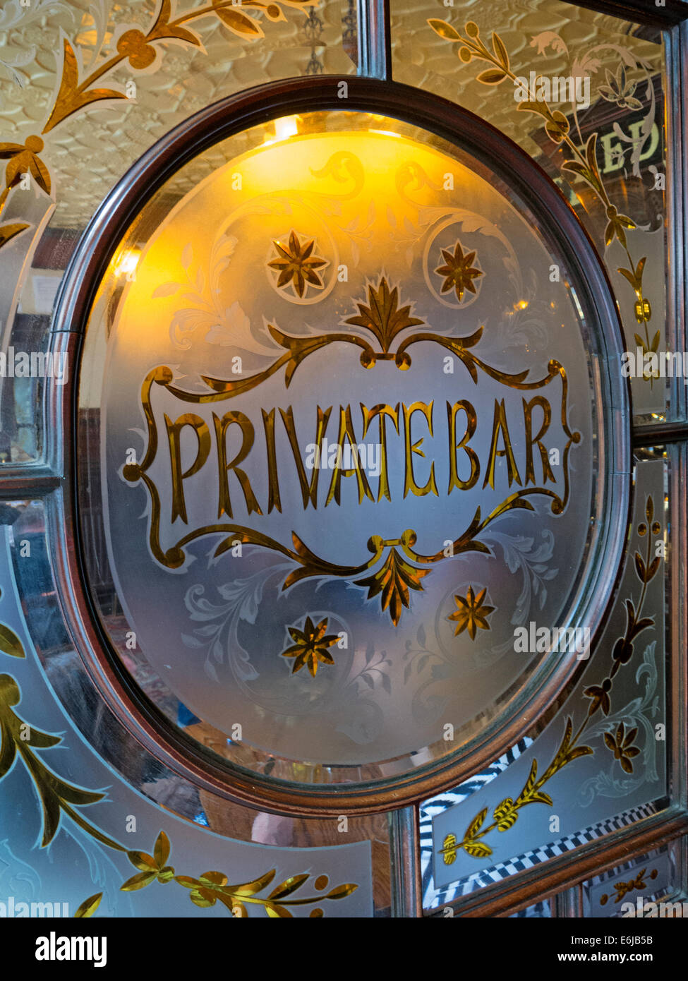 Private Bar at traditional London Pub, Red Lion Jermyn St Mayfair (off Piccadilly) England UK - Stock Image