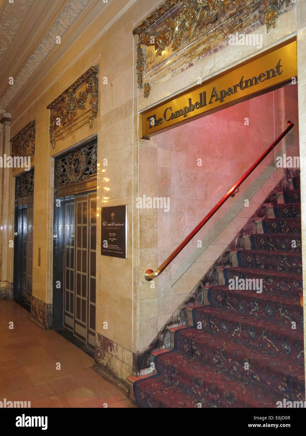 The Campbell Apartment Entrance In Grand Central Terminal Nyc Stock
