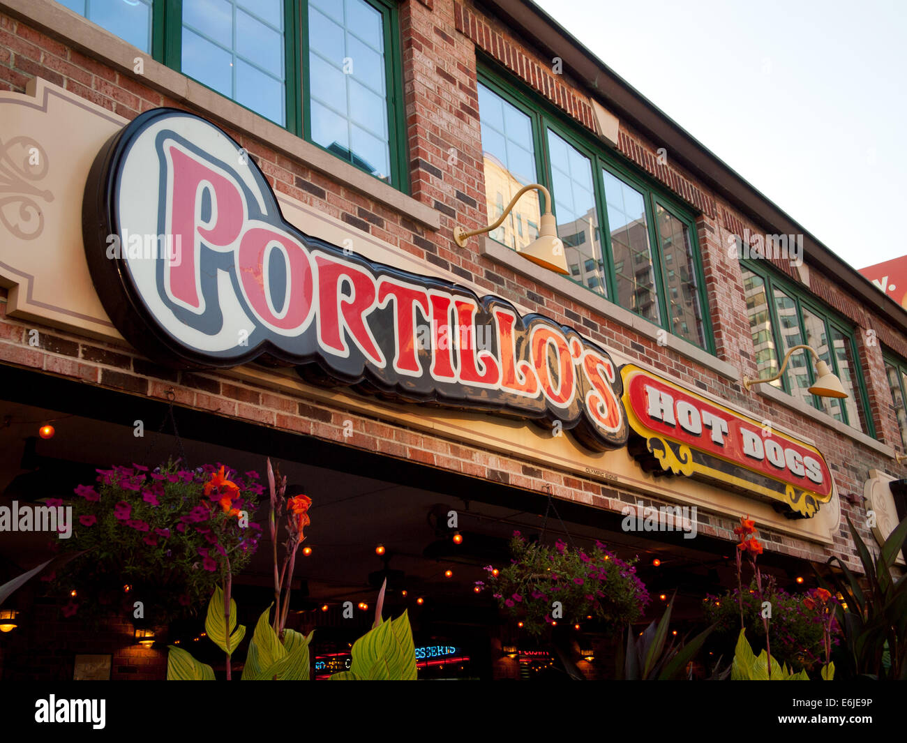 the exterior of a portillo 39 s hot dogs restaurant in the. Black Bedroom Furniture Sets. Home Design Ideas