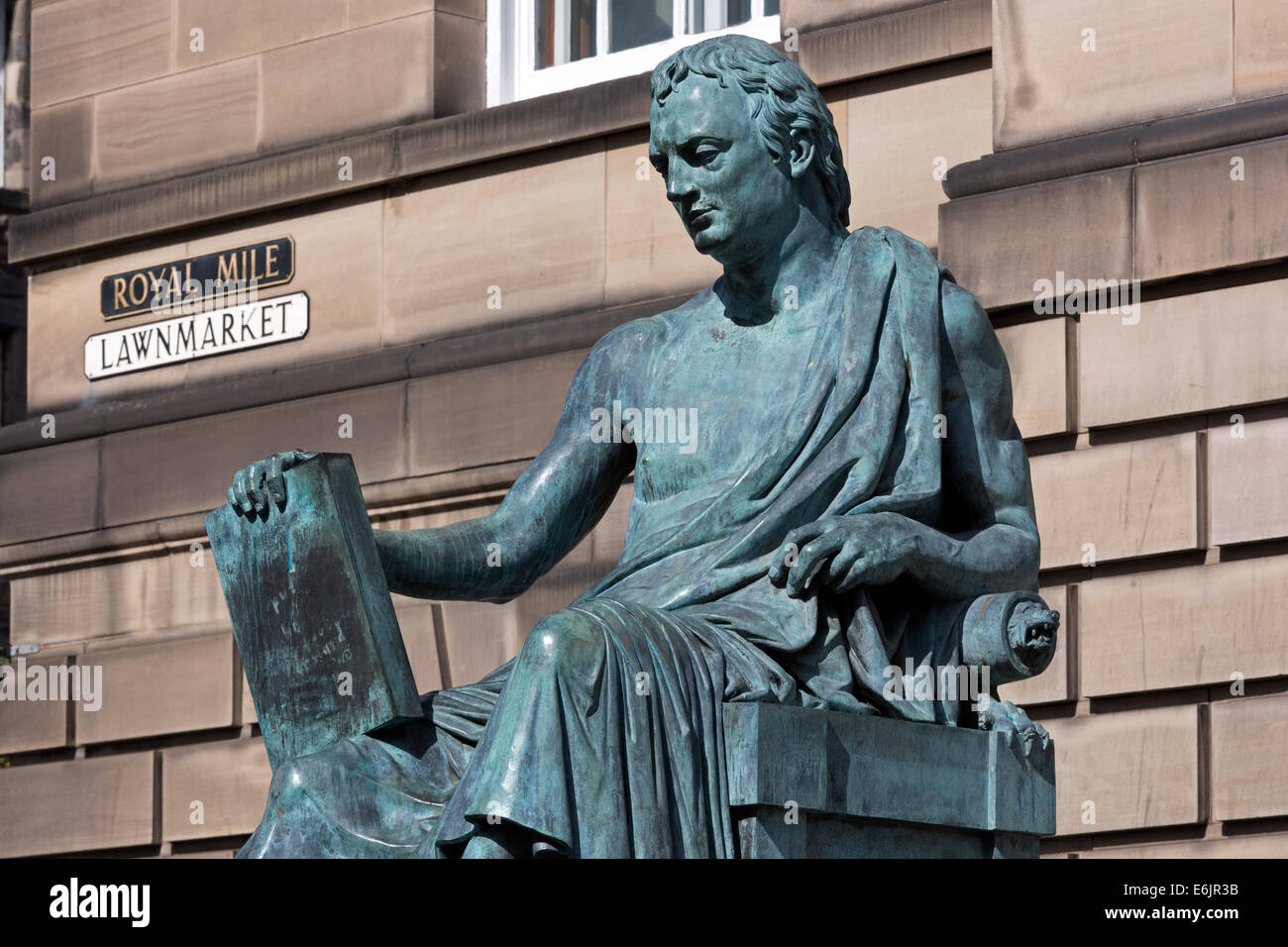Statue of David Hume, Scottish philosopher, born 1711, died 1776, in the Royal Mile, Edinburgh, Scotland, UK - Stock Image