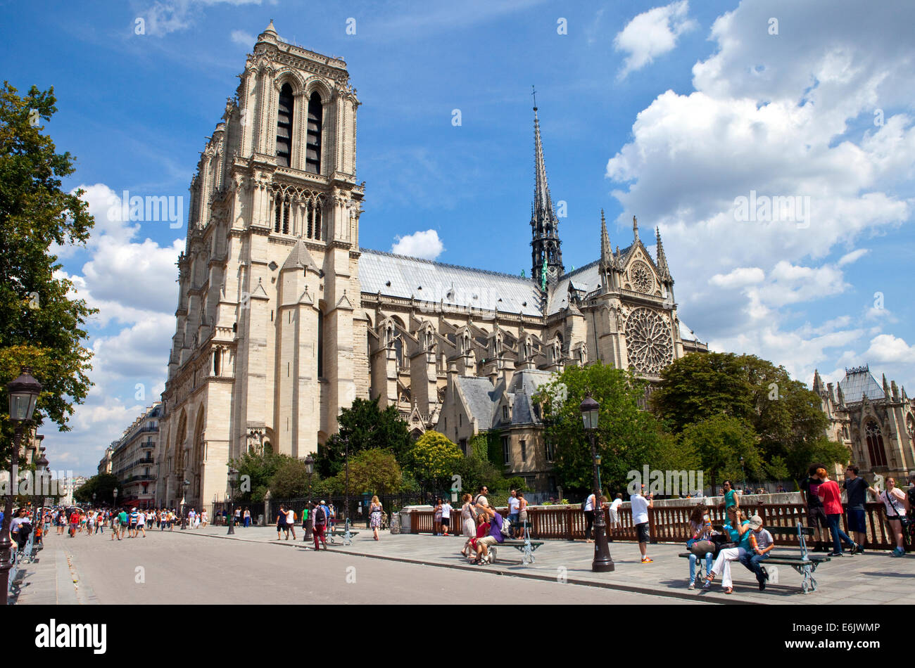 PARIS, FRANCE - AUGUST 5TH 2014: The beautiful Notre Dame Cathedral in Paris on 5th August 2014. - Stock Image