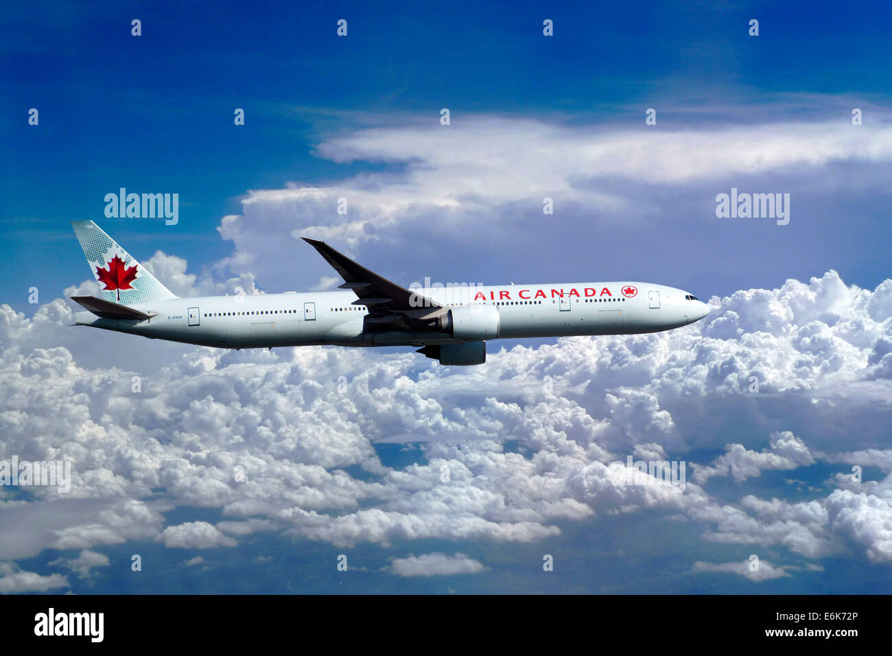 Air Canada, Boeing 777-333 ER, in flight - Stock Image