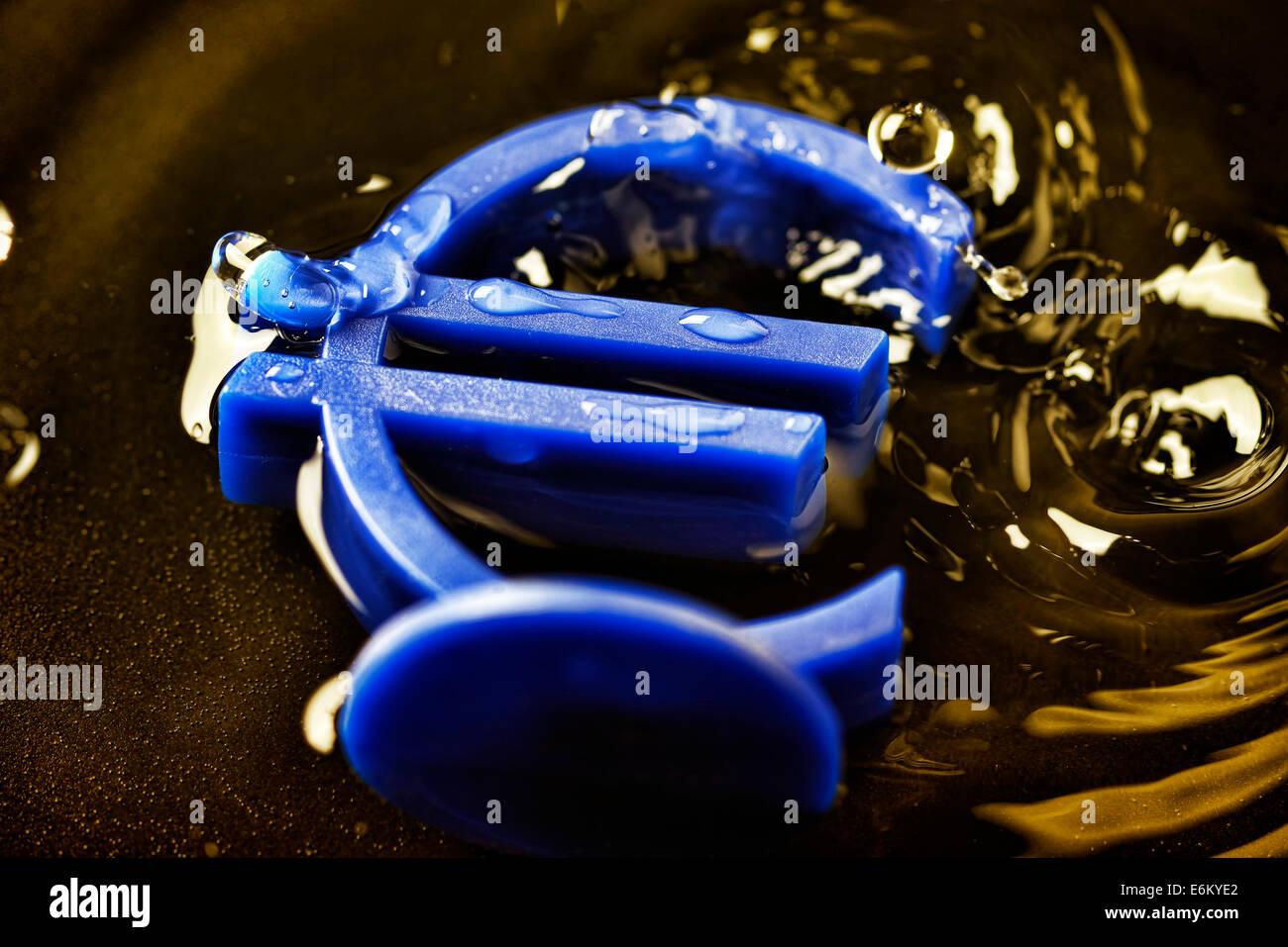Eurozeichen im Wasser, Eurokrise Stock Photo