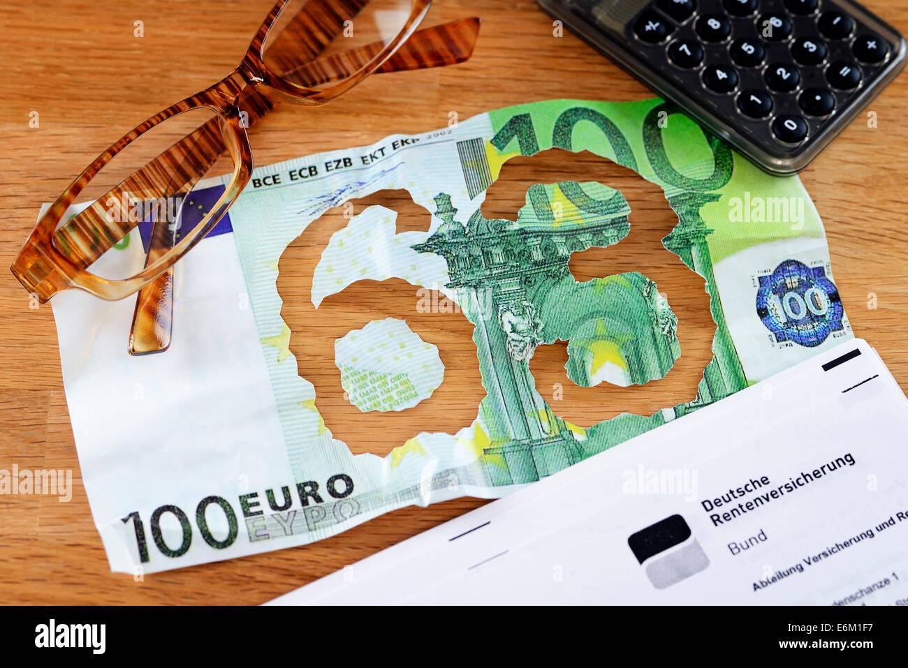 Hundert-Euro-Schein mit herausgerissener Zahl 63, Rente mit 63 - Stock Image