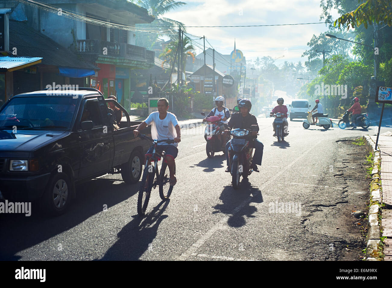 Traffic on the Ubud road during rush hour. - Stock Image