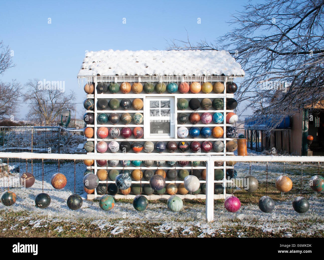 Bowling Ball House in Nowata Oklahoma - Stock Image