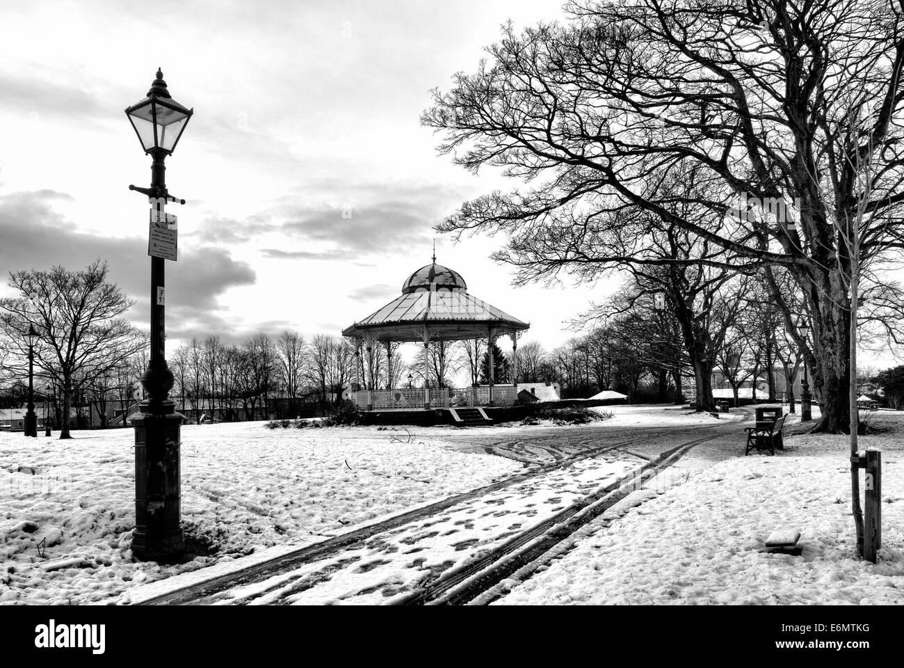 Winter snow in Peel Park Kirkintilloch - Stock Image