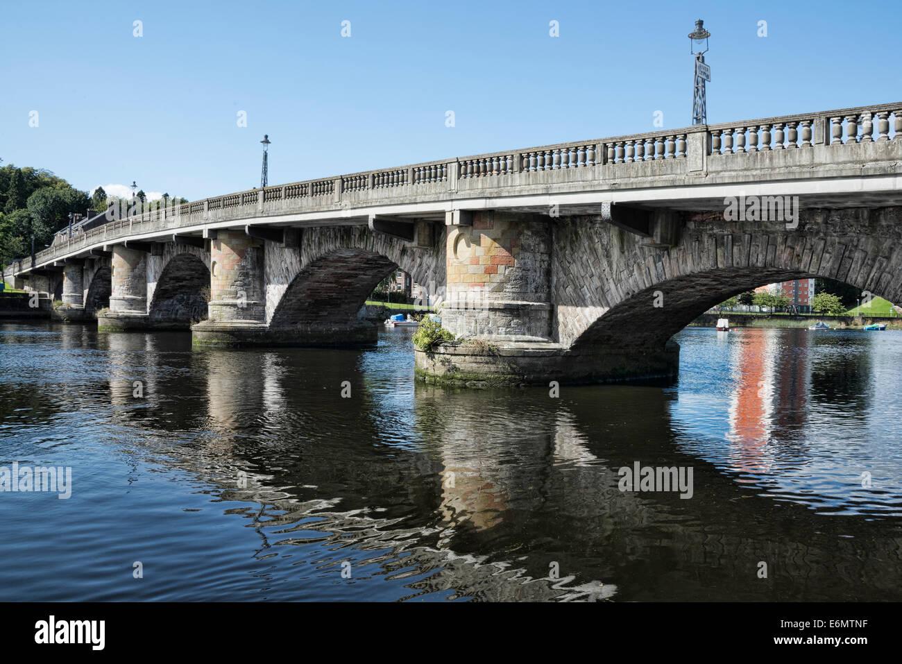 The Old Dumbarton Bridge over the River Leven - Stock Image