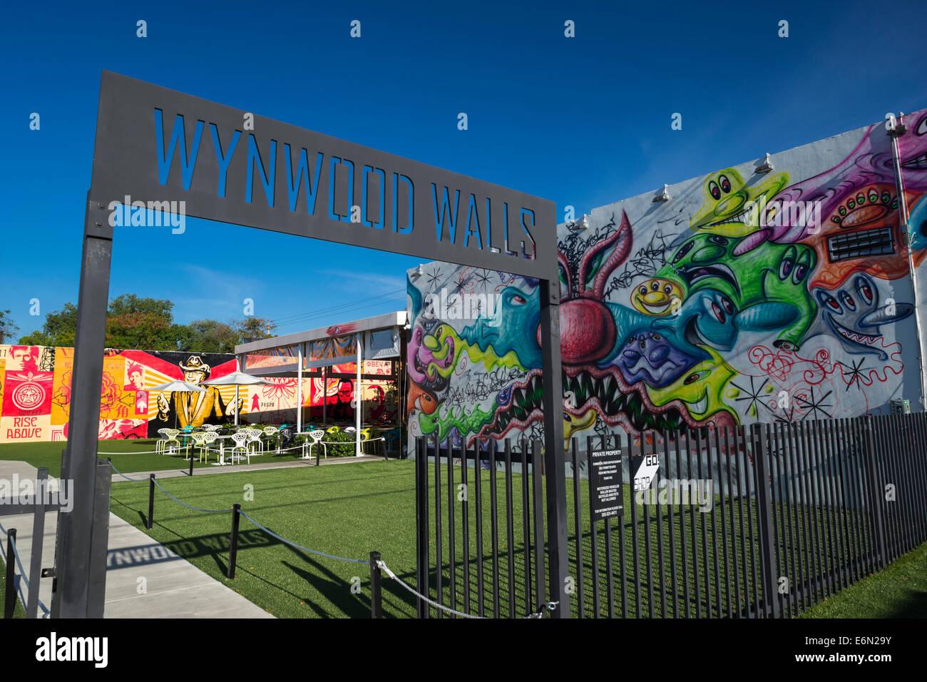 ENTRANCE SIGN WYNWOOD WALLS UPSCALE STREET ART CENTER WYNWOOD MIAMI FLORIDA USA - Stock Image