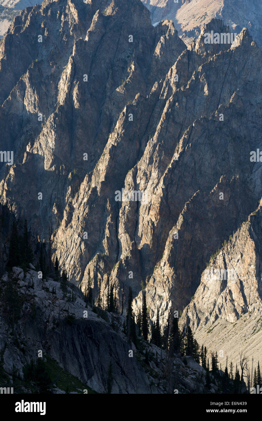 Jagged mountains in Idaho's Sawtooth Mountains. - Stock Image