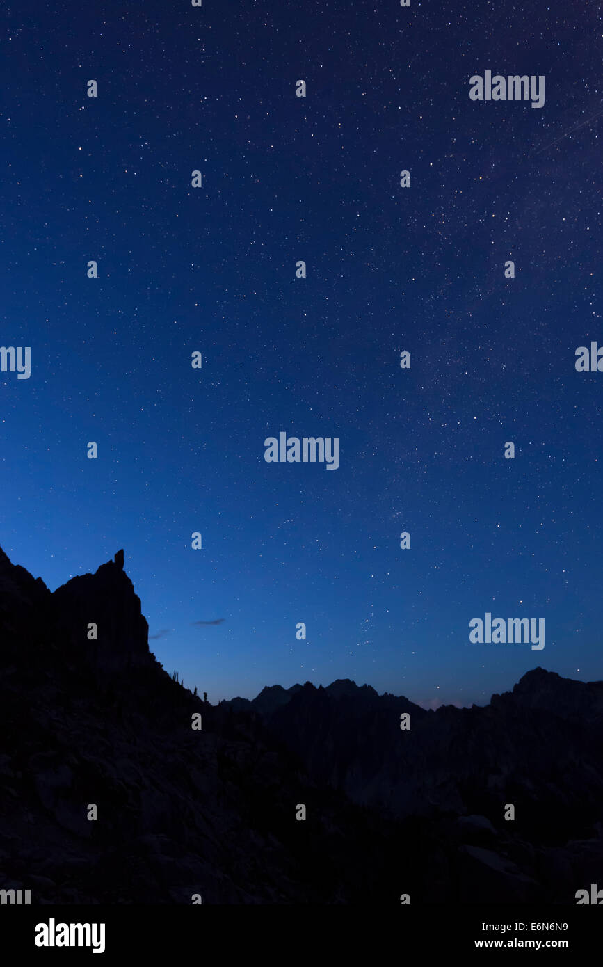 Stars over the peaks in the Sawtooth Mountains, Idaho. - Stock Image