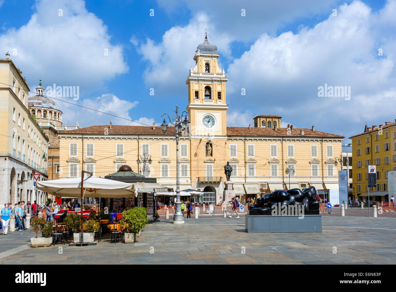 The Palazzo del Governatore, Piazza Giuseppe Garibaldi, Parma, Emilia Romagna, Italy - Stock Image