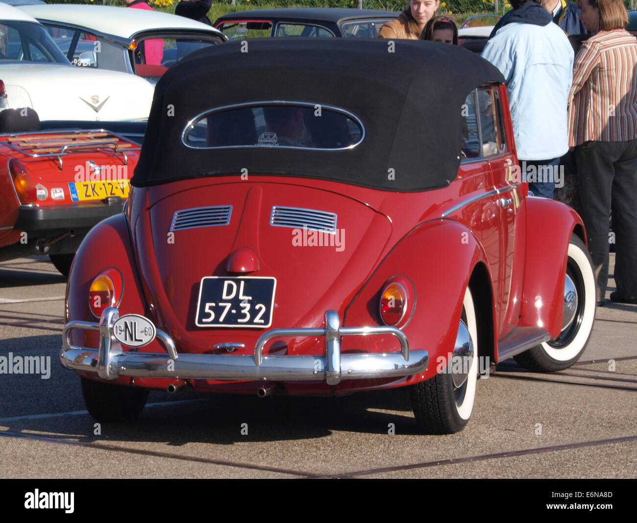 1960 Red Volkswagen Kever cabrio, licenceno DL-57-32, pic2 - Stock Image