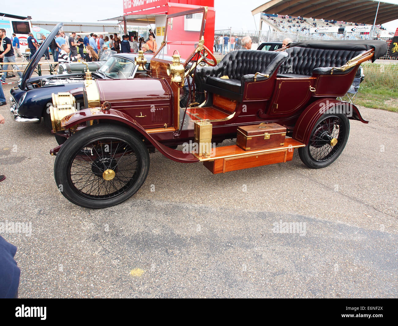 1910 Straker Squire 2800cc, Nr519, pic2 - Stock Image