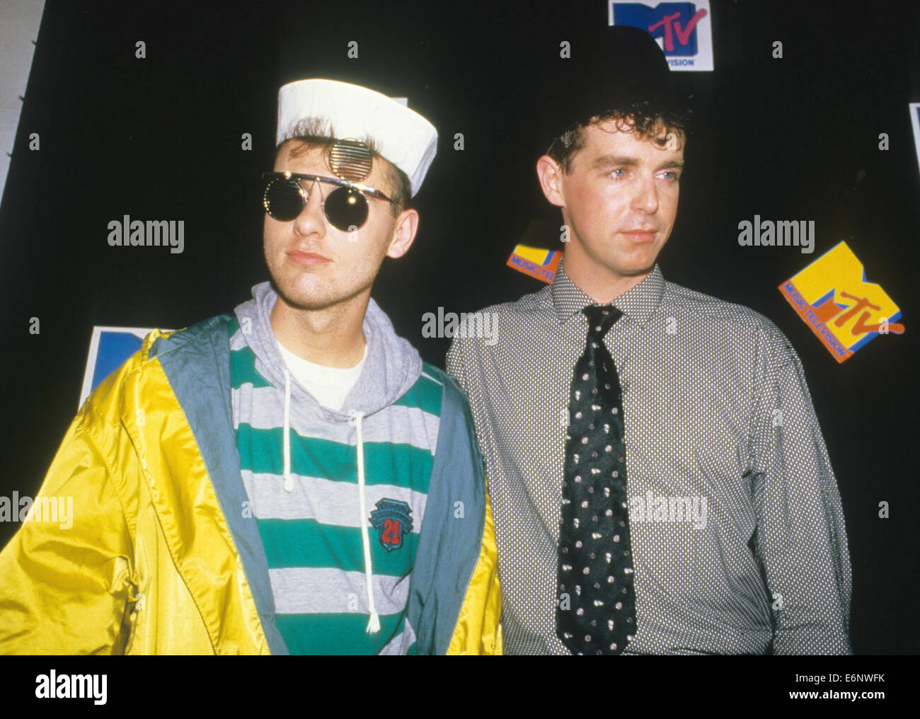 PET SHOP BOYS at the 1986 MTV Awards with Chris Lowe at left and Neil Tennant - Stock Image