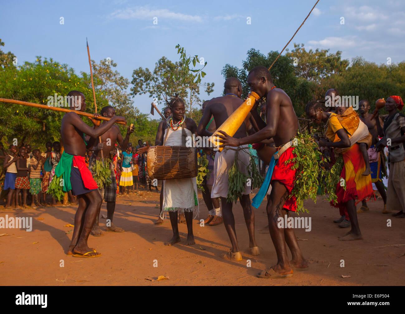 Majang Tribe Dancing For A Celebration, Kobown, Ethiopia - Stock Image