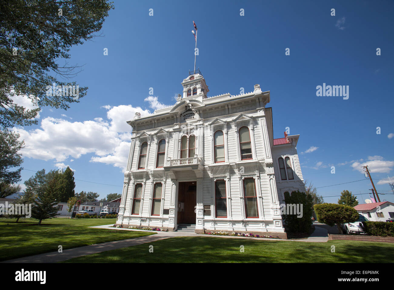 The Mono County Courthouse in Bridgeport, California. Built in 1880 in the Italianate-style and designed by J. R. - Stock Image