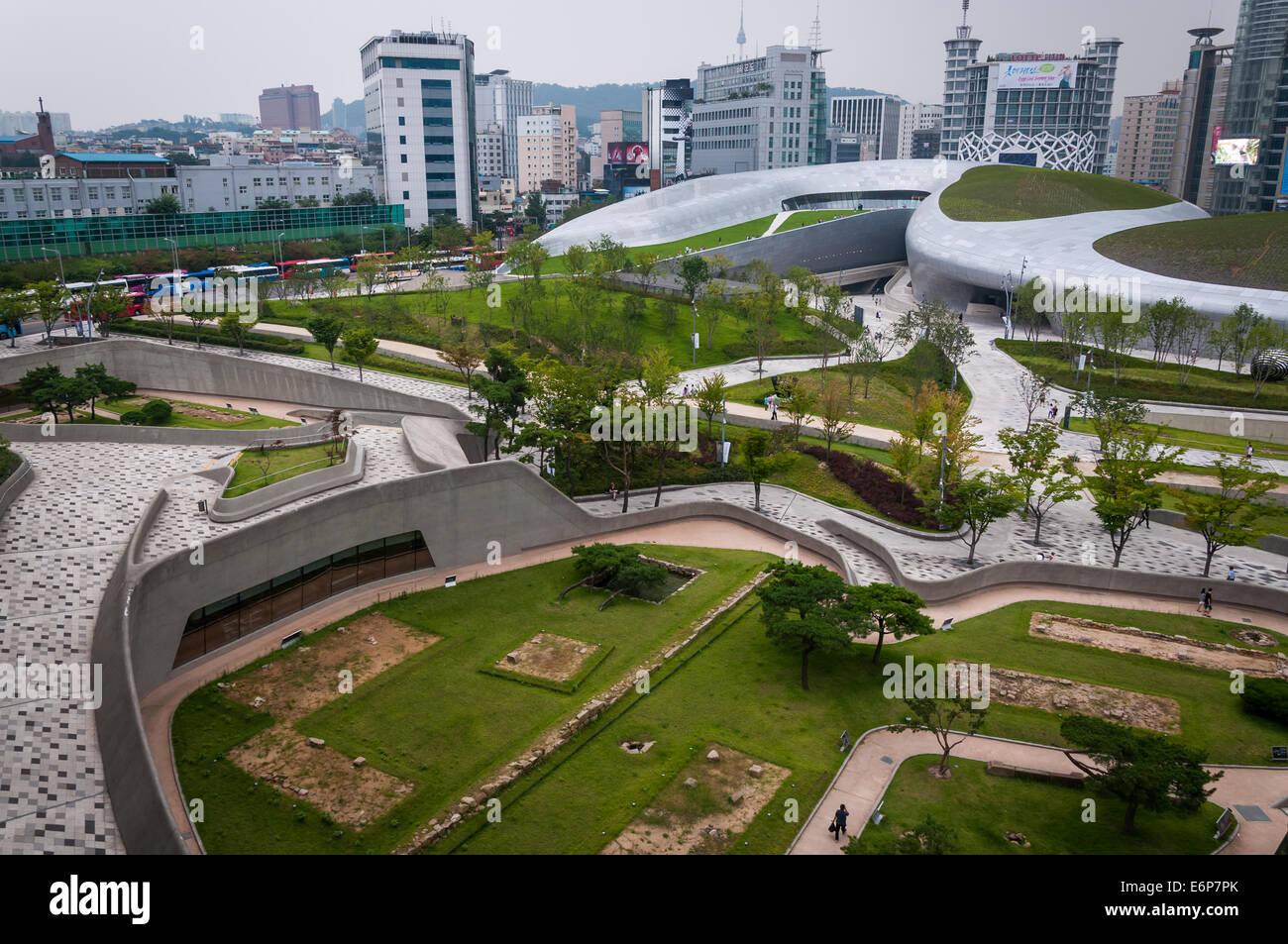 Modern architecture at the newly opened Dongdaemun Design Plaza in Seoul, South Korea, designed by architect, Zaha Stock Photo