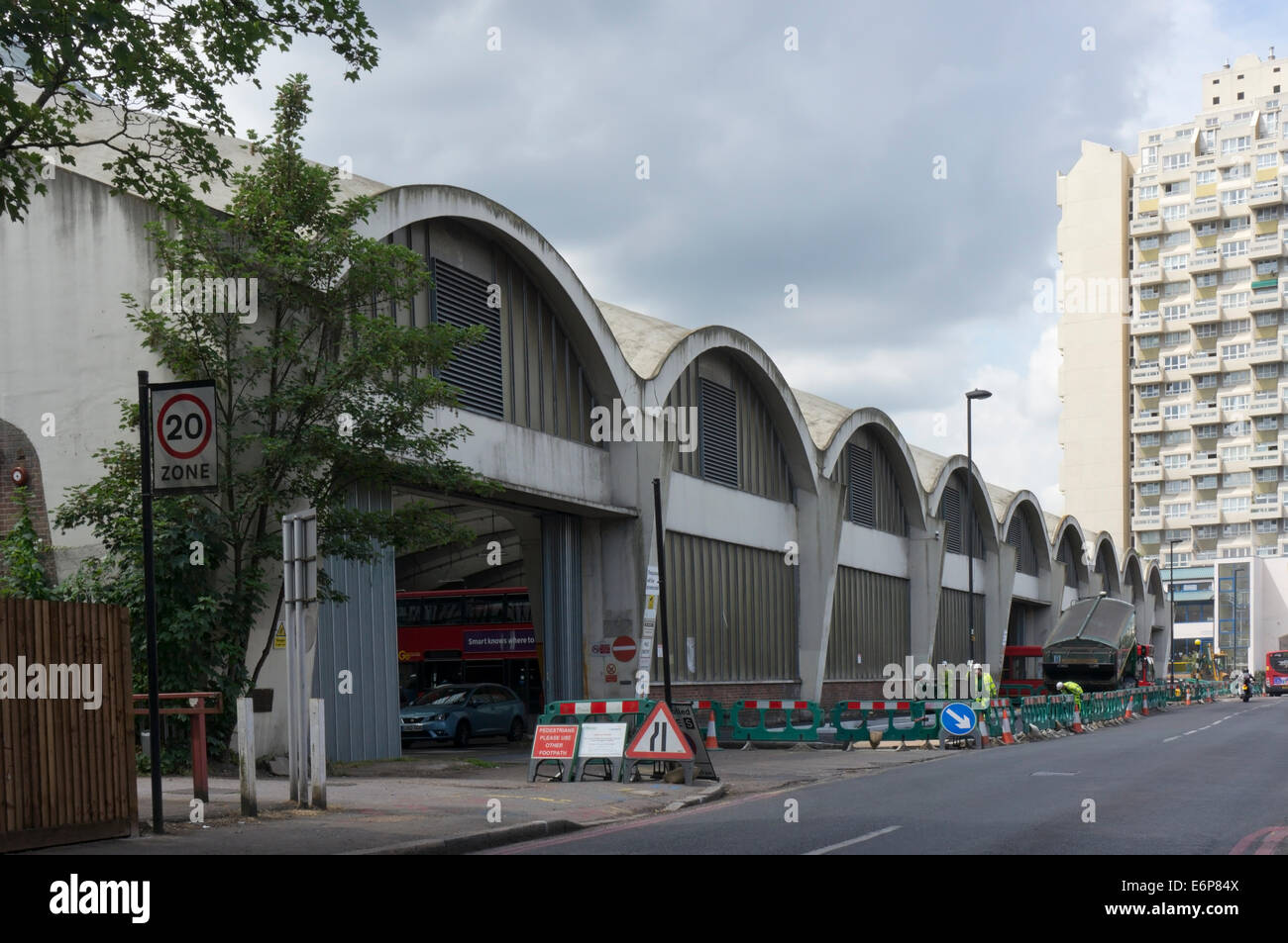 The Grade II* listed, reinforced concrete Stockwell bus garage. - Stock Image