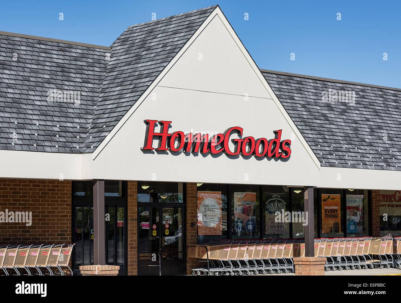 HomeGoods furnishing store exterior. - Stock Image