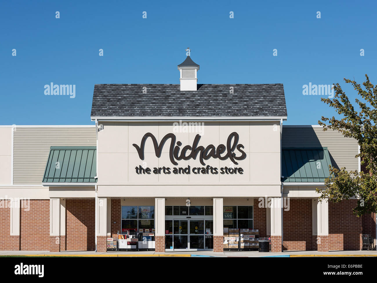 Michaels Arts and Crafts store exterior, Mt. Laural, New Jersey, USA - Stock Image