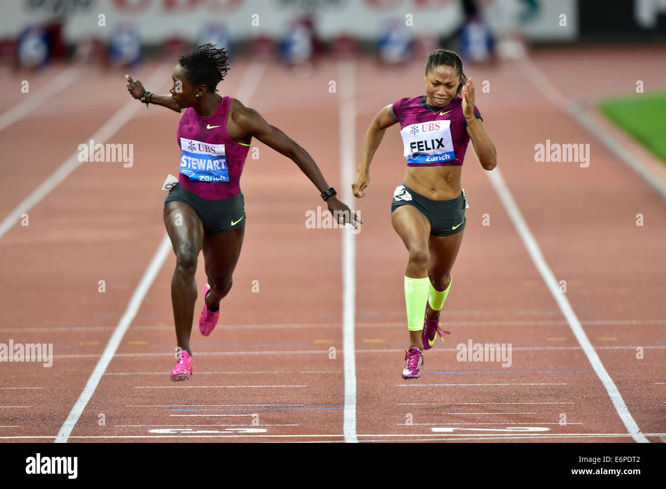 Zurich, Switzerland. 28th Aug, 2014. Kerron Stewart (JAM) and Allyson Felix (USA) at the women's 100m at  the - Stock Image